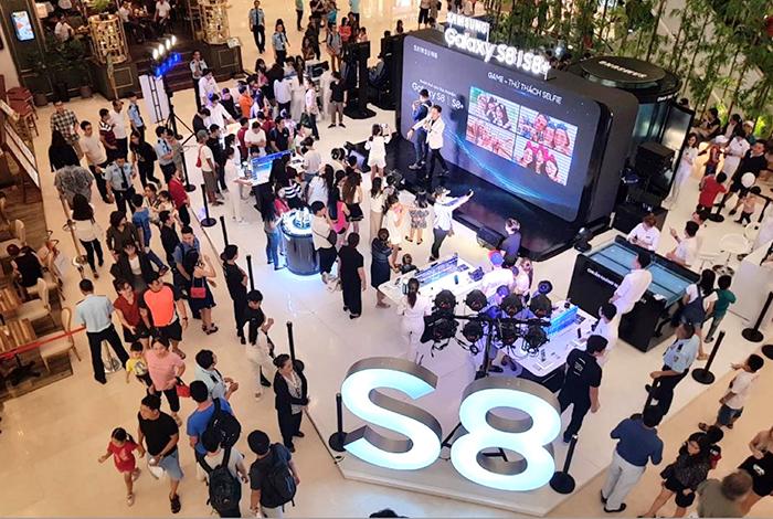 SAMSUNG S8 STUDIO